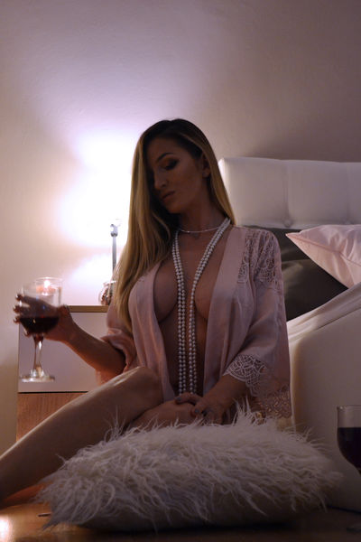 Middle Eastern Escort in Peoria Illinois