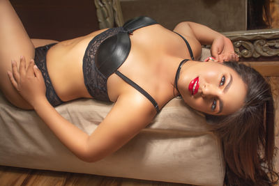 Brunette Escort in Oceanside California